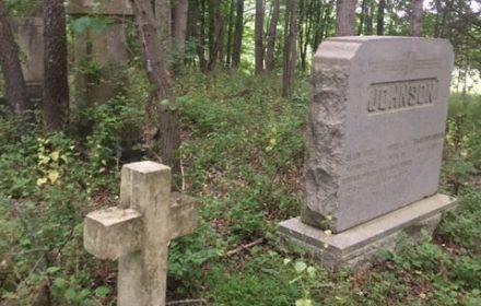 Johnson-grave-in-Carroll-e1541944577980